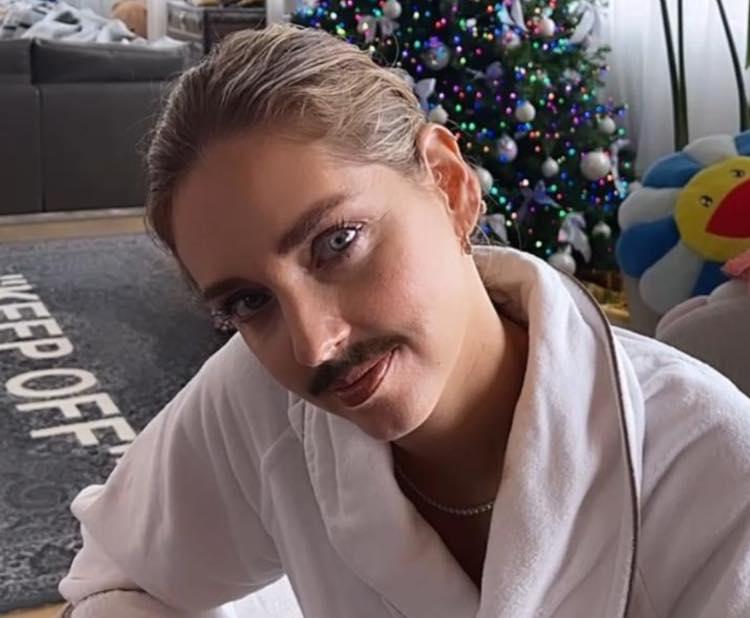 Chiara Ferragni baffi