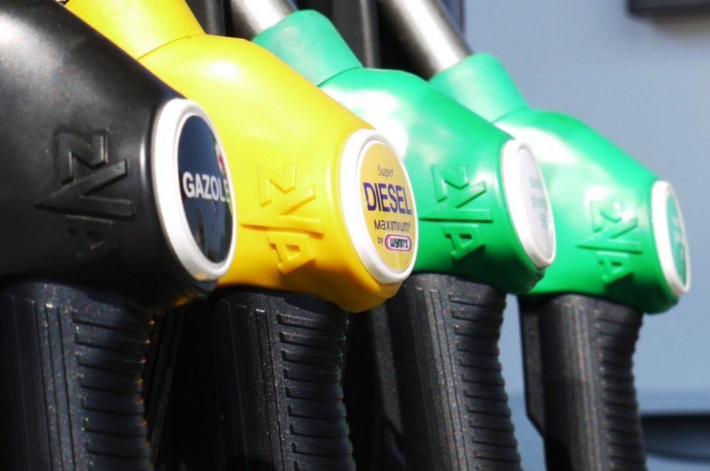 carburante (web source) benzina costi