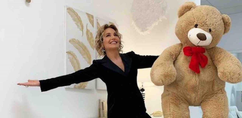 Barbara D'Urso senza luci