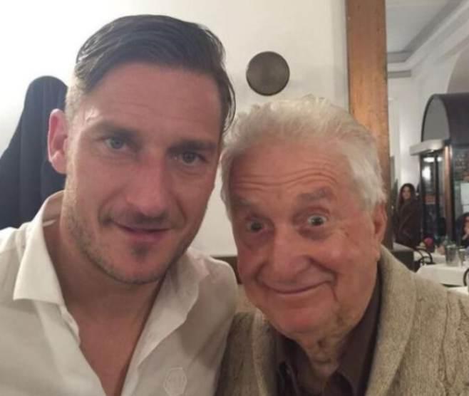 Gianfranco D'Angelo con Totti (Instagram)