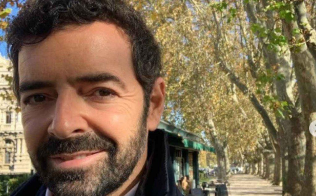 Alberto Matano furioso in diretta tv: arrivano le forze dell'ordine