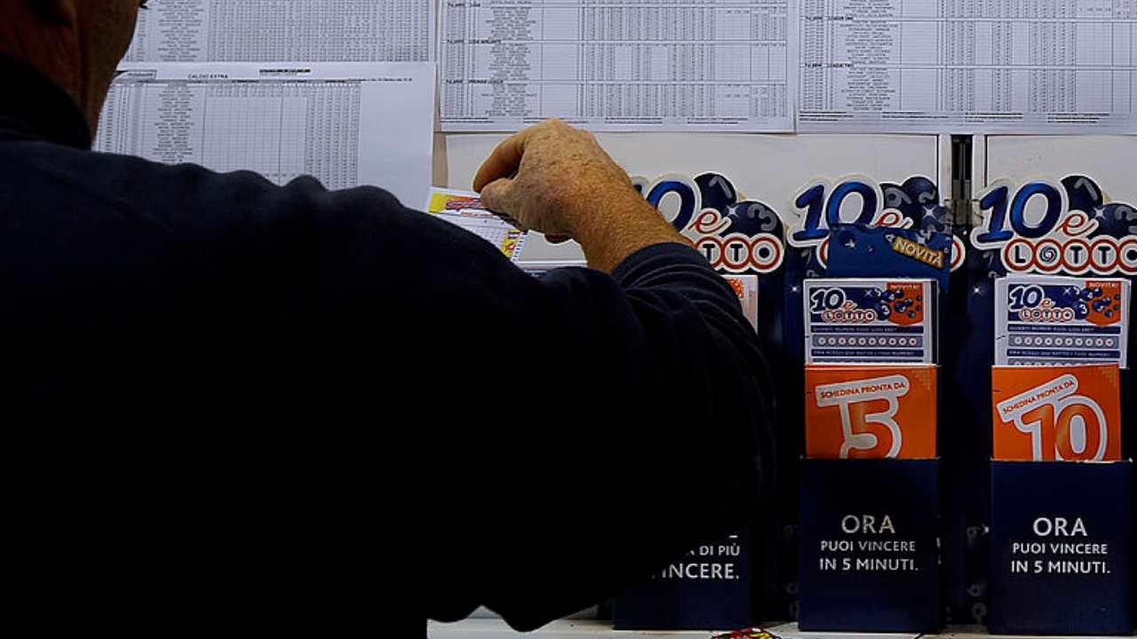 GettyImages-estrazione lotto (1)
