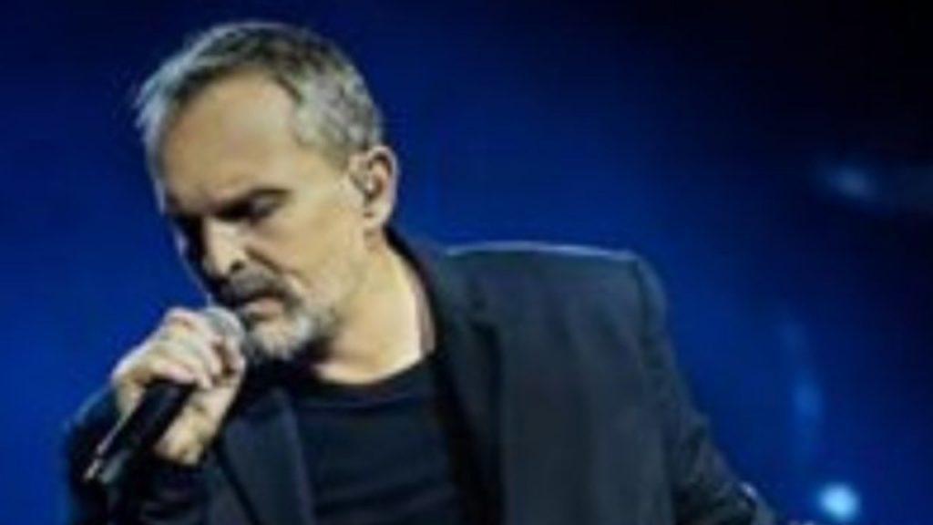 Il cantante Miguel Bosè
