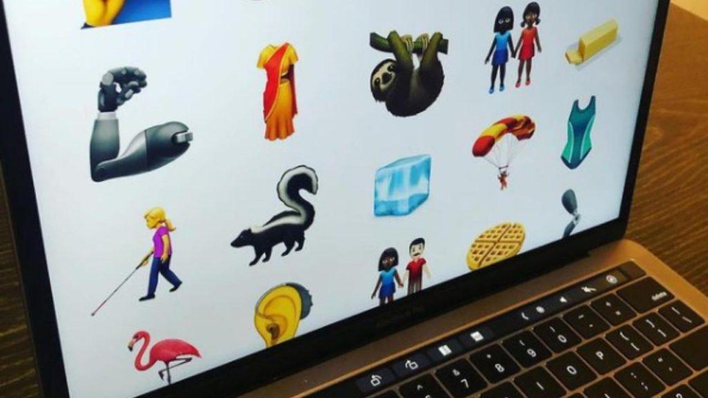 New Emoji 2021 Apple