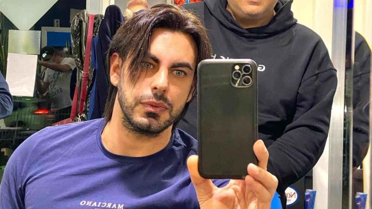 Gianluigi Martino dal barbiere