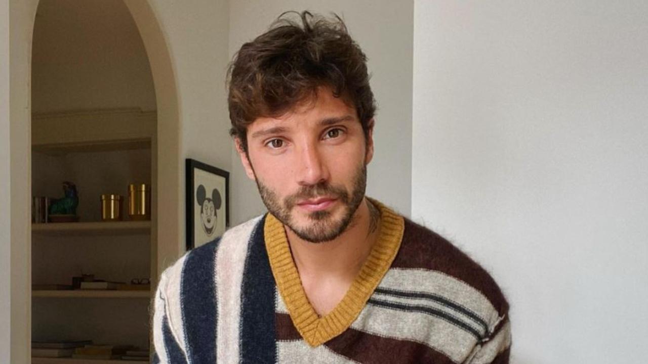 Stefano De Martino sui social