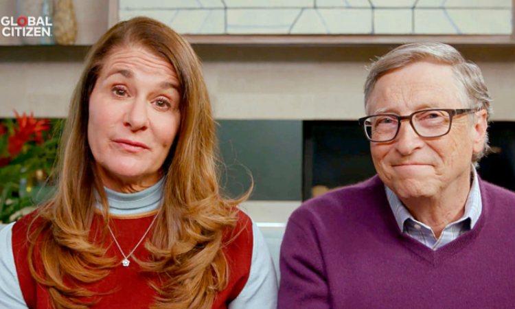 La moglie di Bill Gates, a sinistra, e Bill Gates, a destra