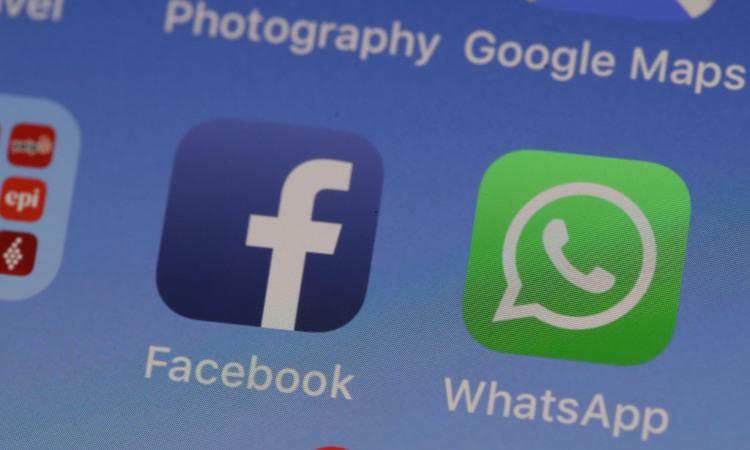 Simboli di Whatsapp e di Facebook