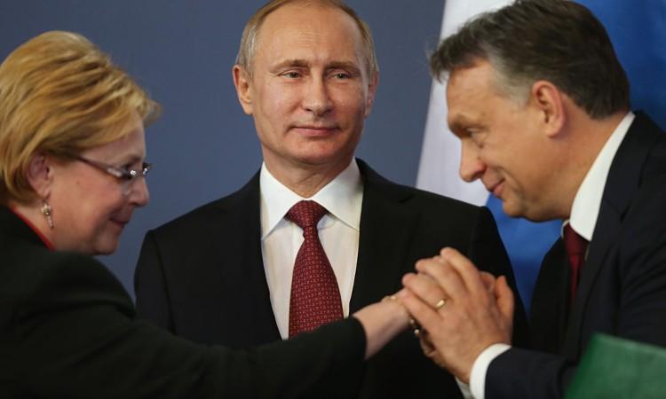 Orban saluta la delegazione russa