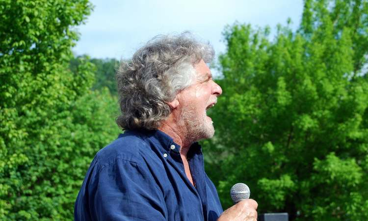 Beppe Grillo annuncio