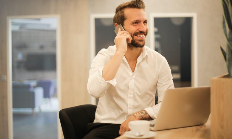 uso del cellulare per lunghe telefonate