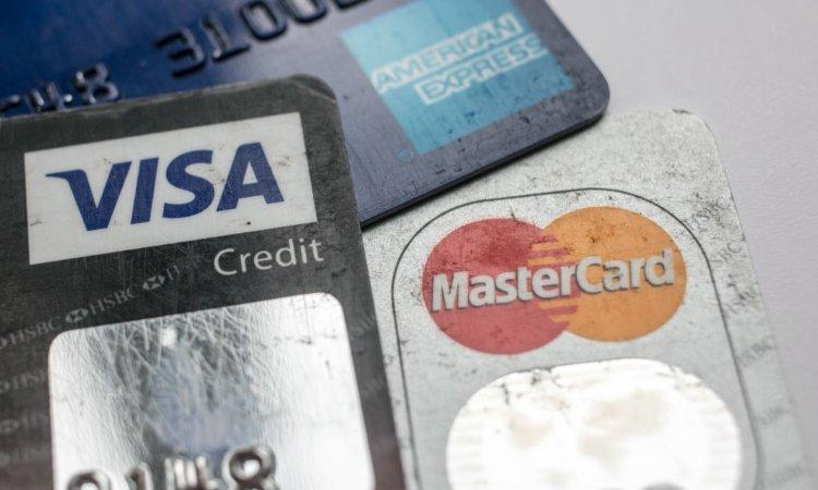 Simboli di tre metodi di pagamento digitale