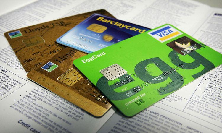 Tre carte di credito diverse tra loro