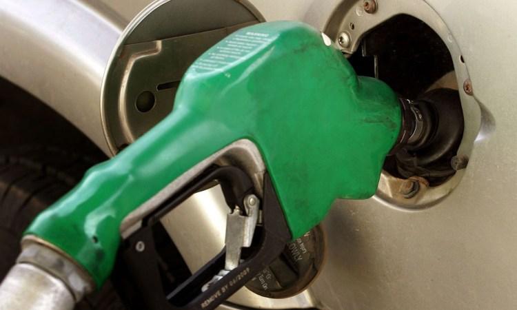 Una pistola di carburante verde