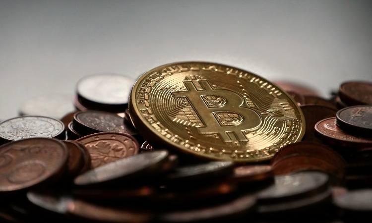 bitcoin e monete di metallo