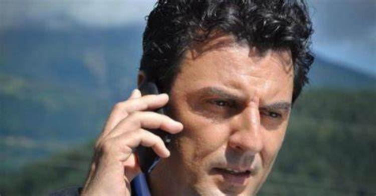 Enrico IIanniello al telefono