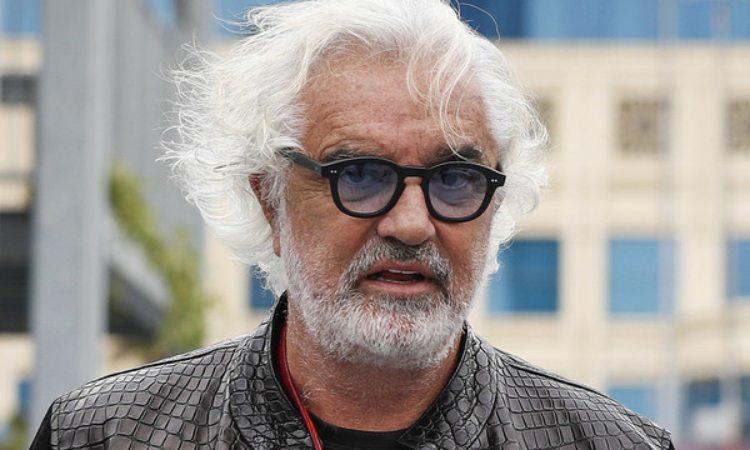 Flavio Briatore occhiali blu