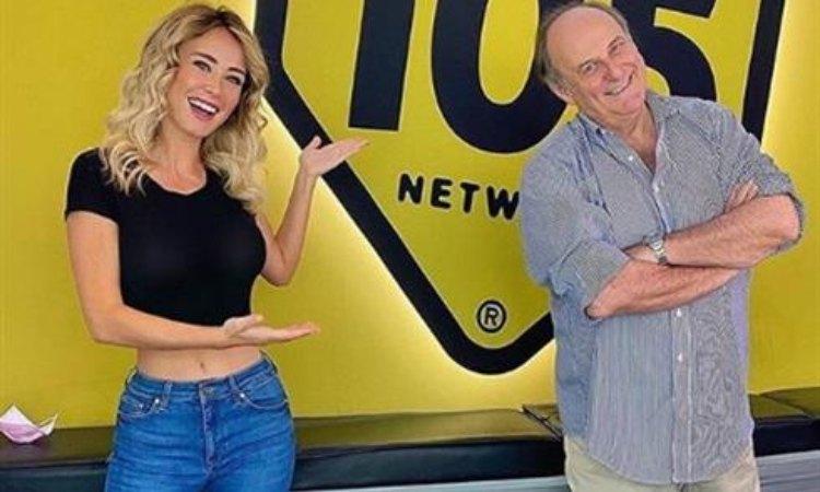 Diletta Leotta e Gerry scotti sorridono