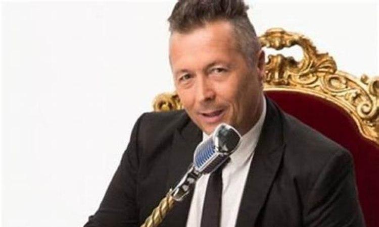 Paolo Belli con il microfono