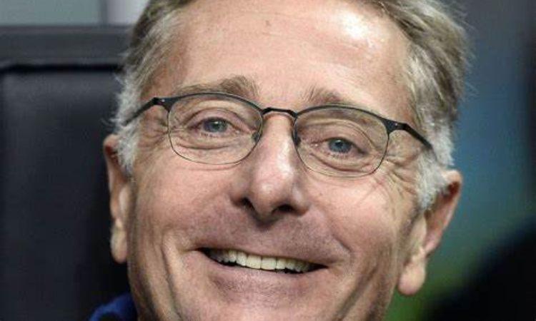 Paolo Bonolis sorride