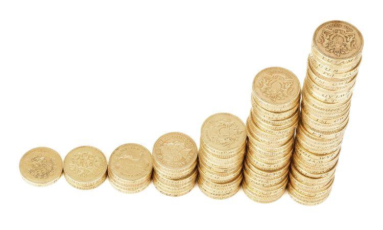 pila di monete di metallo