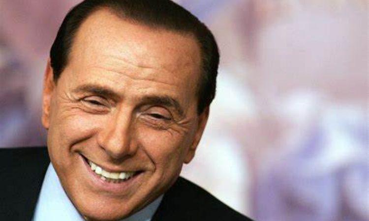 Berlusconi sorride