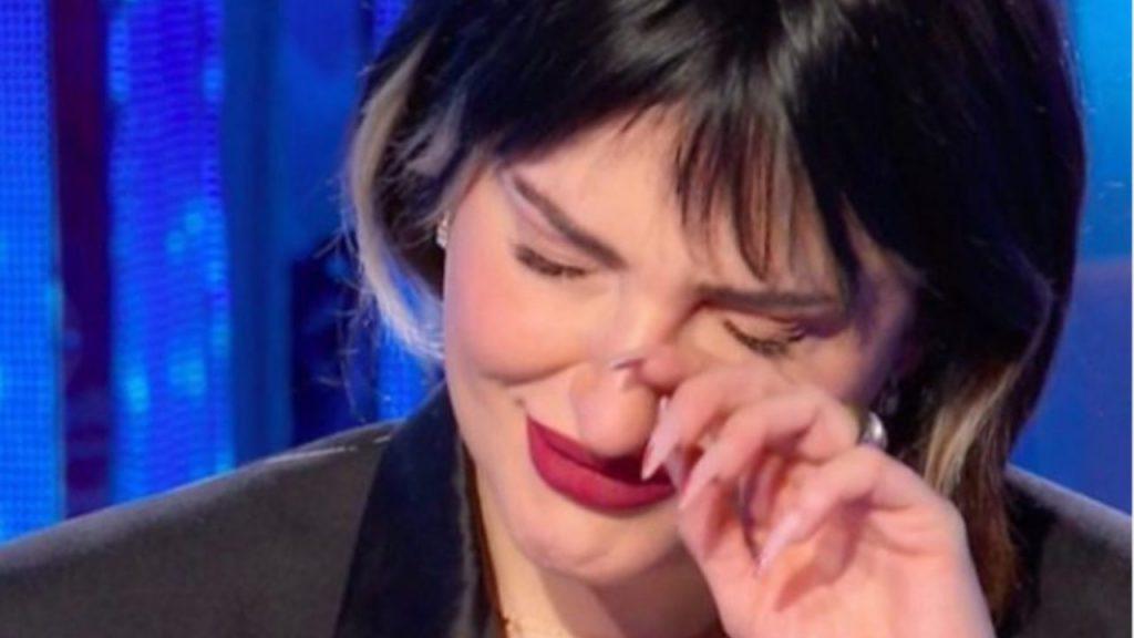 Arisa in lacrime