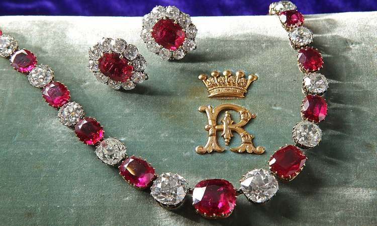 Certi gioielli che indicano ricchezza
