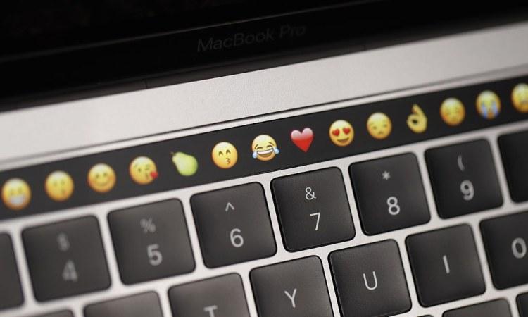 Un po' di emoticon e una tastiera