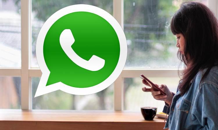 Una donna e whatsapp