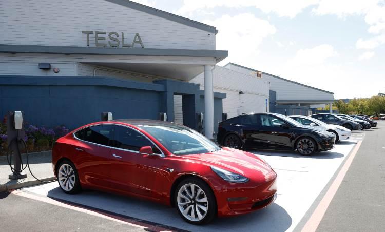 Una vettura Tesla
