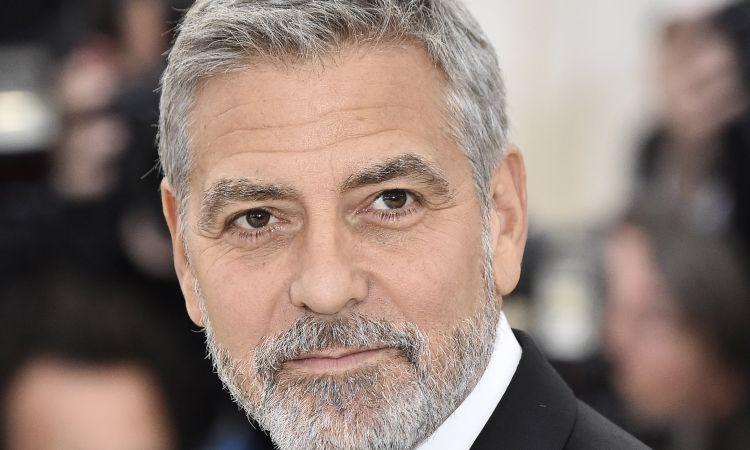 George Clooney barba bianca
