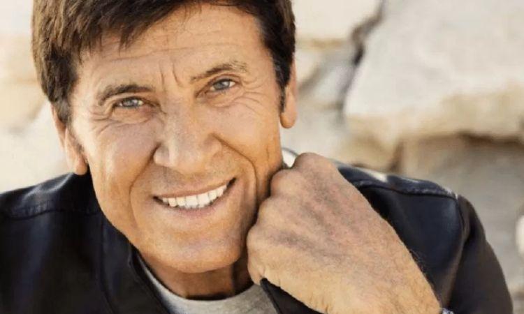 Gianni Morandi sorride