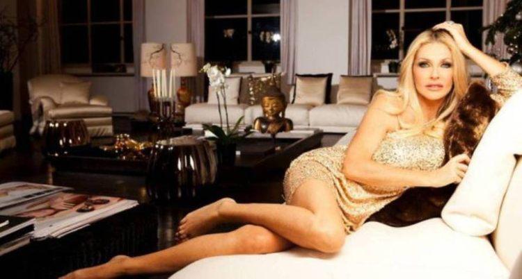 Paola Ferrari vestito dorato