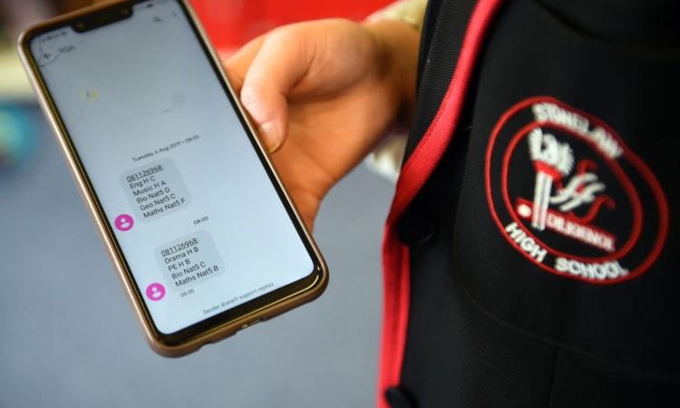 Alcuni sms visti dallo schermo di uno smartphone