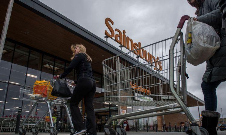 Il supermercato Sainsbury's visto dall'esterno