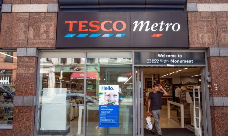 Il supermercato Tesco visto dall'esterno