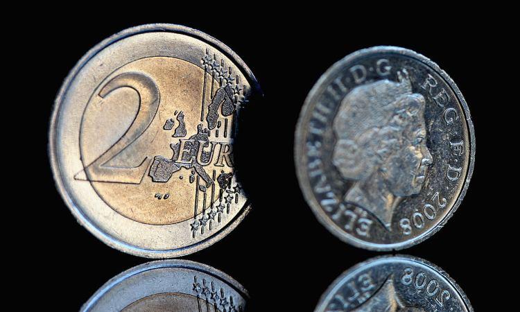 Due monete di diverso conio