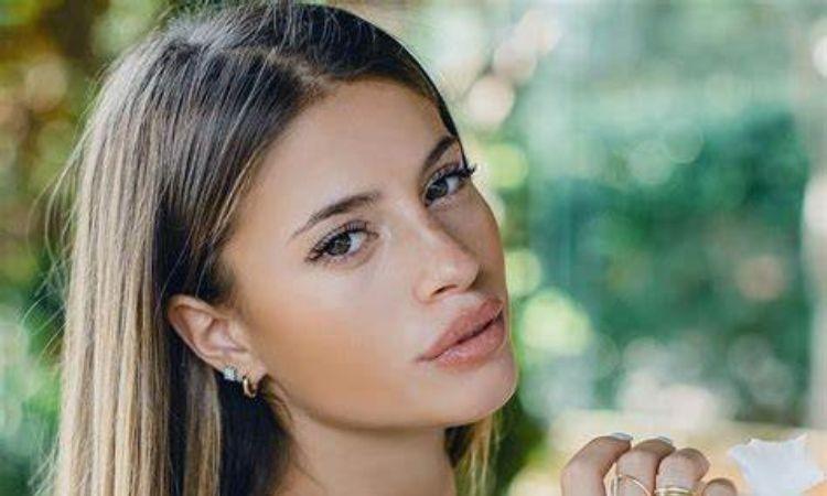 Chiara Nasti capelli marroni