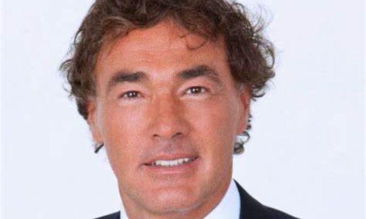 Massimo Giletti capelli marroni