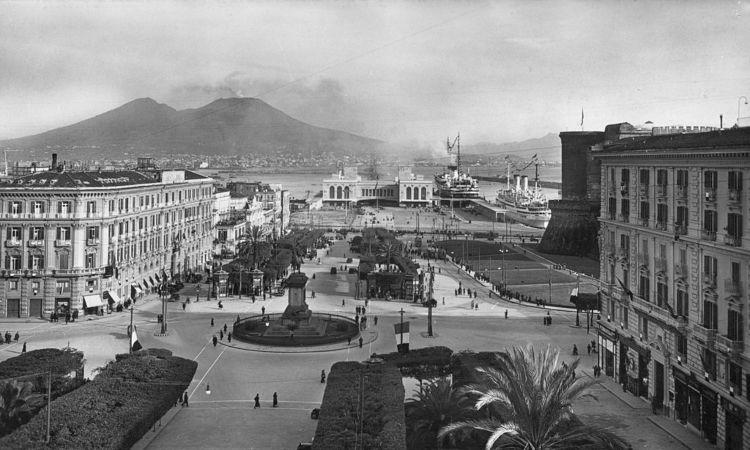 Una vecchia immagine raffigurante il Vesuvio