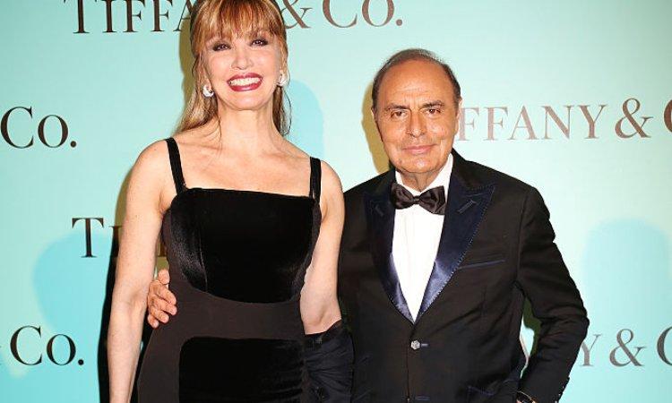 Carlucci e Vespa in posa per Tiffany
