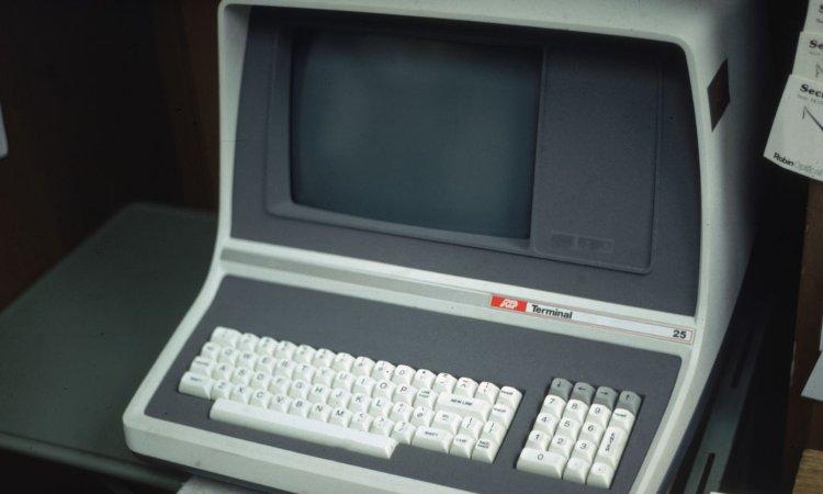 Un vecchio modello di pc che permetteva la connessione ad internet