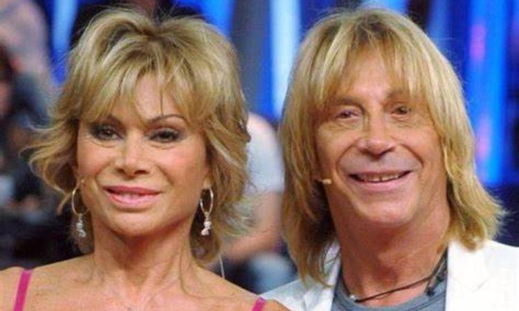 Enzo Paolo e Carmen sorridono