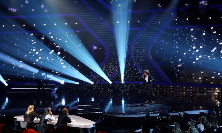 Una panoramica del palcoscenico di X Factor