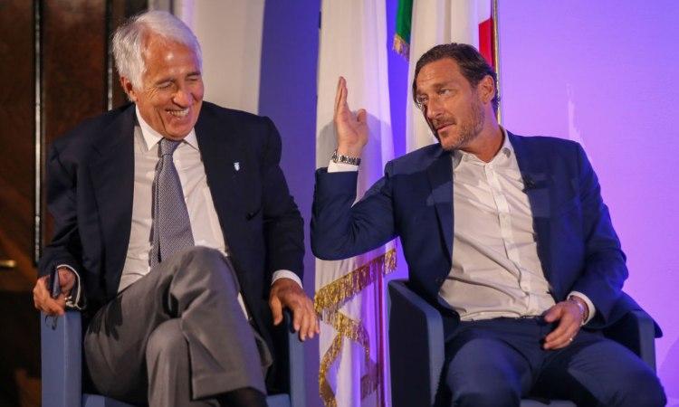 Totti e Malagò alla conferenza su Cortina '26