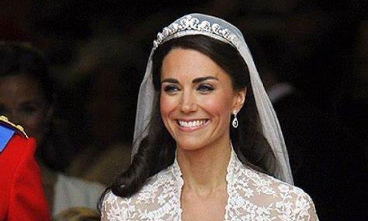 Kate sorride