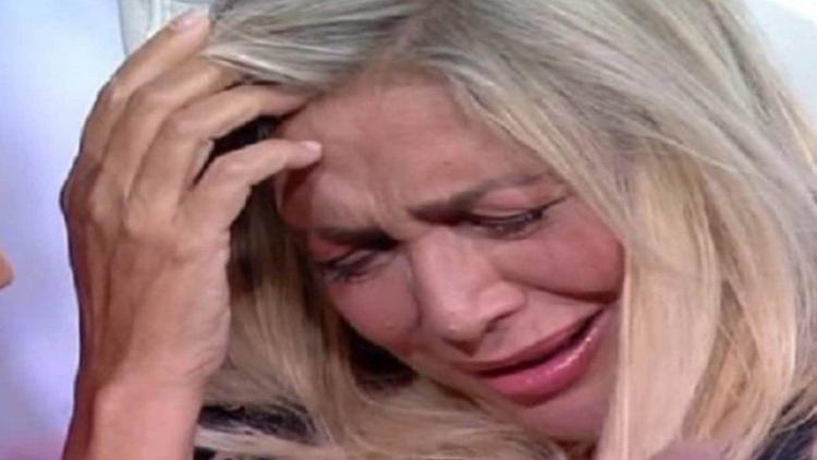 Mara piange