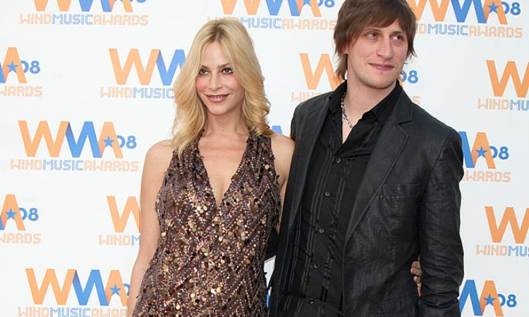 Stefania Orlando in posa con il marito