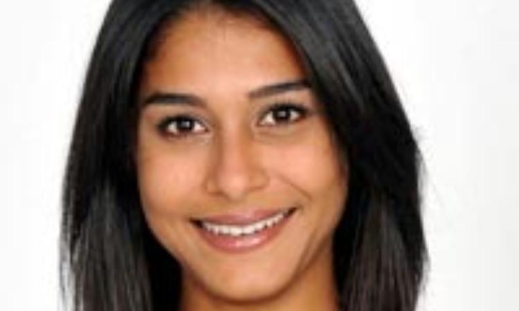 Sabrina Mbarek sorridente
